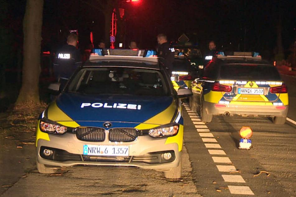 Die Polizei am Tatort in Goch im Kreis Kleve.