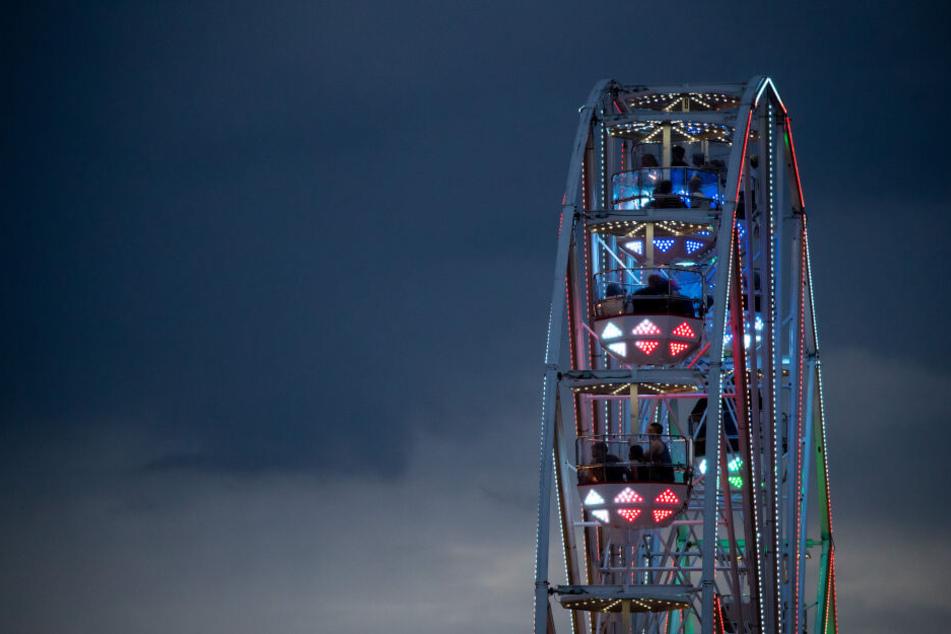 Ein Sturz aus einem Riesenrad auf dem Open Beatz Festival endete für einen 31-Jährigen tödlich. (Symbolbild)