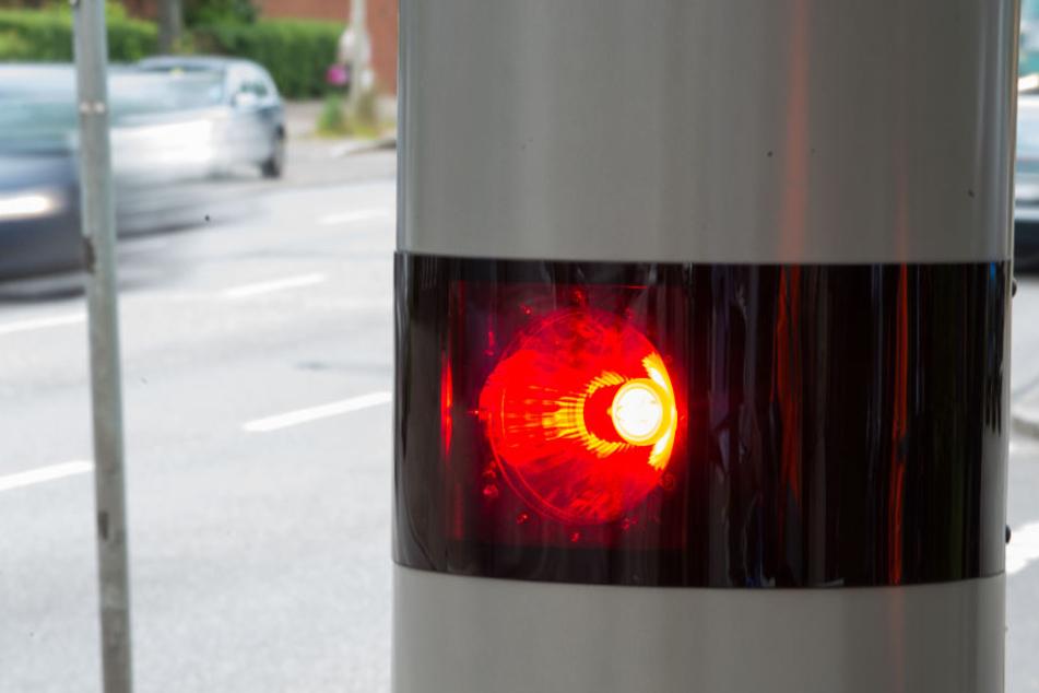 In den vergangenen Jahren wurden in Thüringen immer weniger Verkehrsteilnehmer geblitzt (Symbolbild).