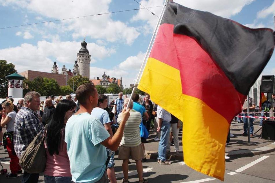 Acht Monate waren sie nicht zu sehen, am Donnerstag läuft LEGIDA erstmals wieder durch Leipzig.