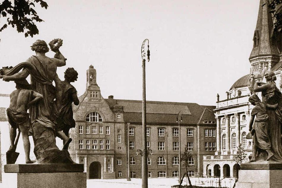 Historische Ansicht: Der Theaterplatz als künftiger Standort sagt nicht allen Chemnitzern zu.