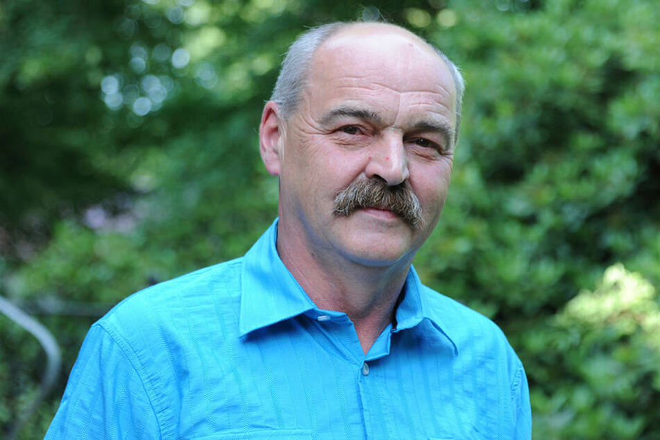 Remses Bürgermeister Joachim Schuricht (61) will nach dem Schneeschippenschlag wieder Ruhe ins Dorf bringen.