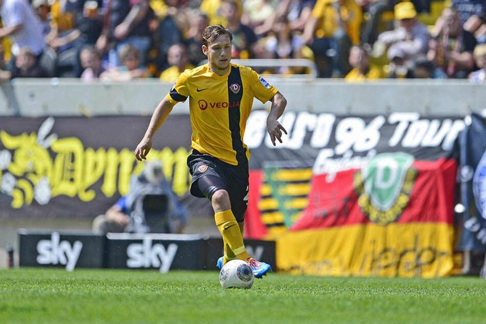 Robert Koch hier für Dynamo am Ball, kickt künftig in der vierten Liga.