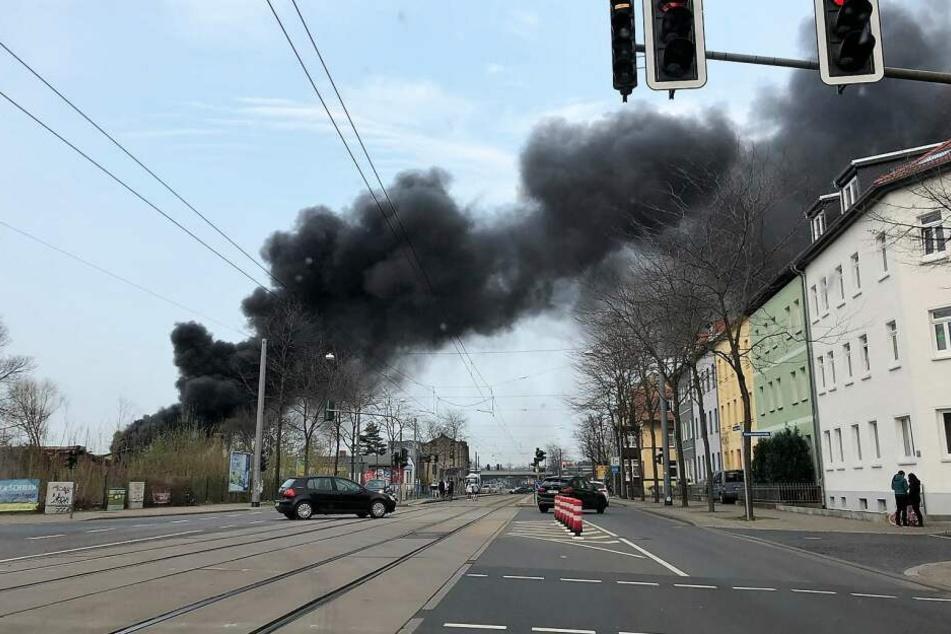 Riesige Rauchsäule über Erfurt: Was ist hier passiert?