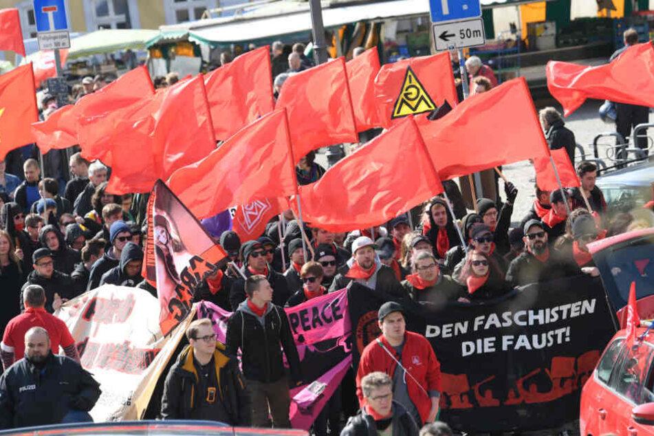Ein Demonstrationszug zieht im März 2019 durch die Wetzlarer Innenstadt.