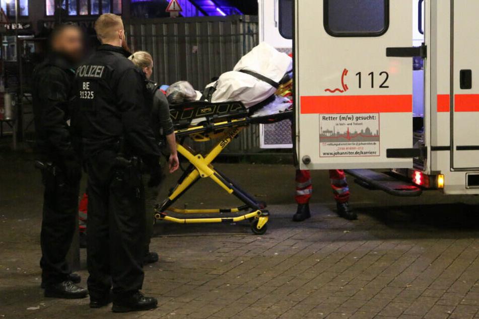 Berlin: Mann (30) vor U-Bahn geschubst und getötet: Wollte er einem Rollstuhlfahrer helfen?