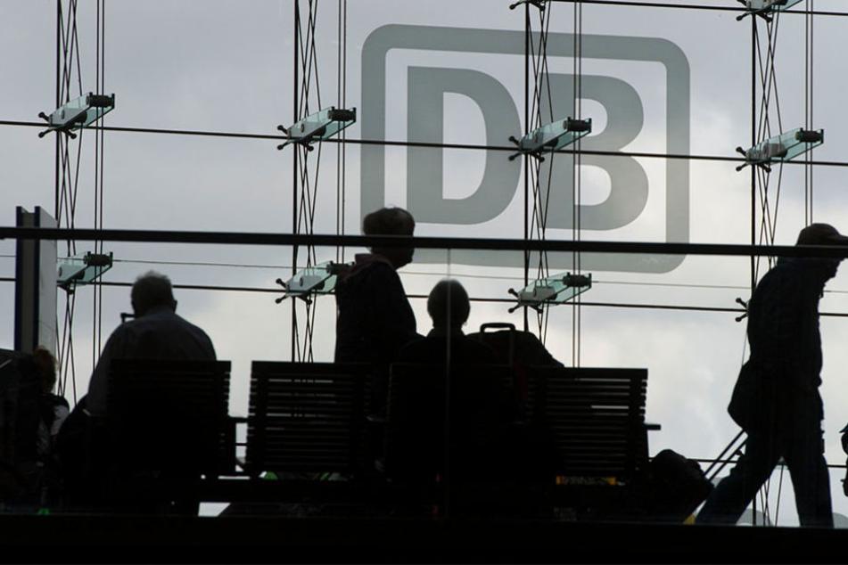 Fahrgäste müssen trotzdem auf dem Weg nach Hannover und Hamburg mit Verspätungen rechnen. (Symbolbild)