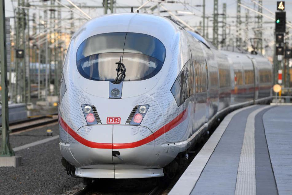 Die Fahrzeit von Berlin nach München verringert sich mit Fahrplanwechsel am Sonntag auf unter vier Stunden.