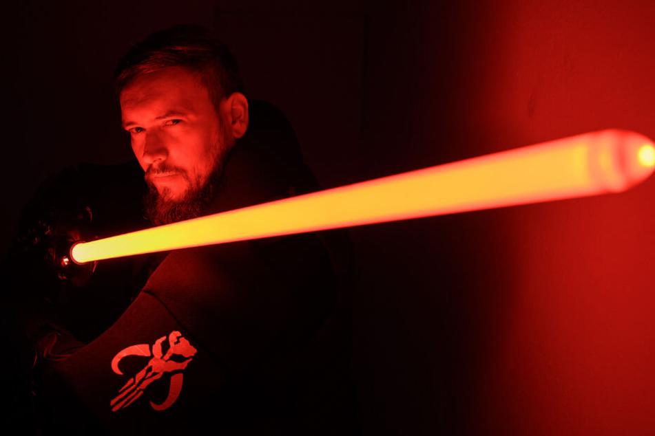 """Rote Lichtschwerter werden im """"Star Wars""""-Universum von den bösen Sith verwendet."""