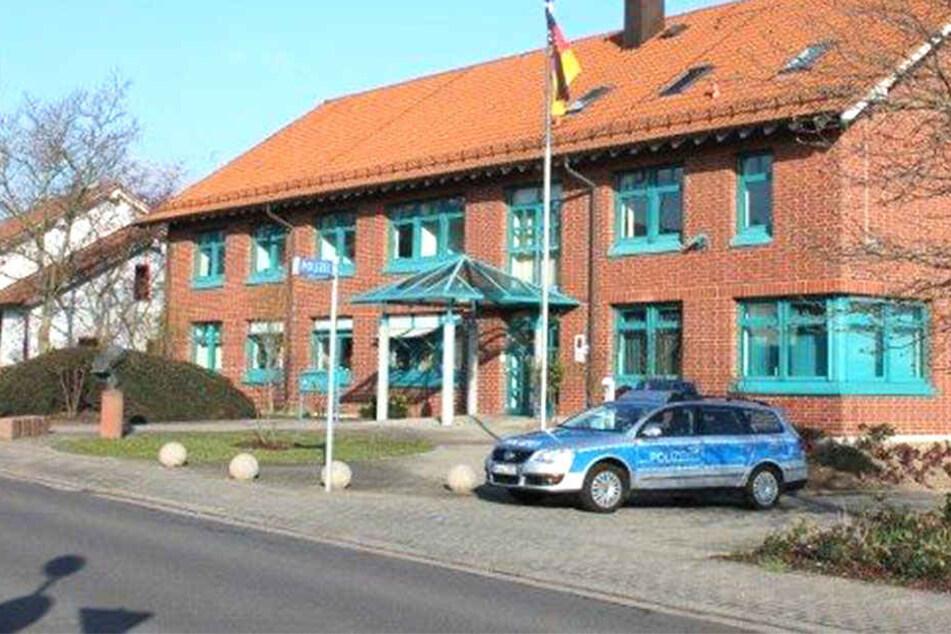 Weil er nicht weiterwusste, suchte ein Mann Polizeibeamte in Rheinland-Pfalz auf.