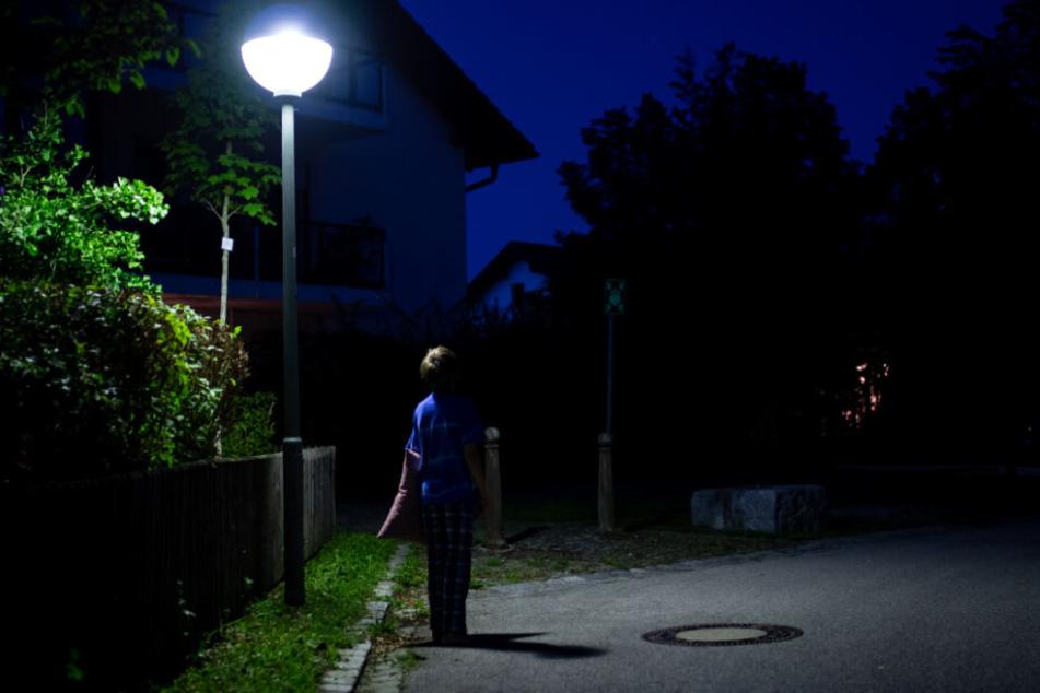Seit Kilian im Schlaf einmal ausgebüxt ist, verriegeln seine Eltern nachts alles. (Symbolbild)