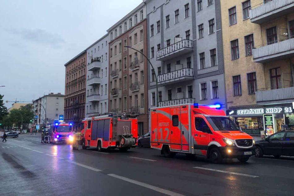 Die Berliner Feuerwehr vor Ort im Einsatz in Berlin-Moabit.