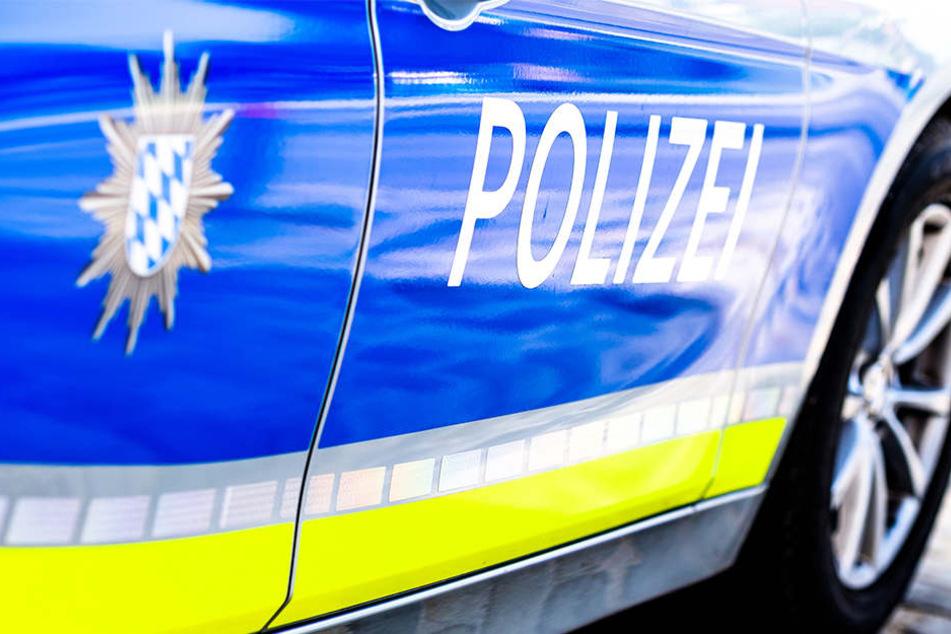 Die bayrische Polizei griff die Flüchtlinge auf der Autobahn auf.