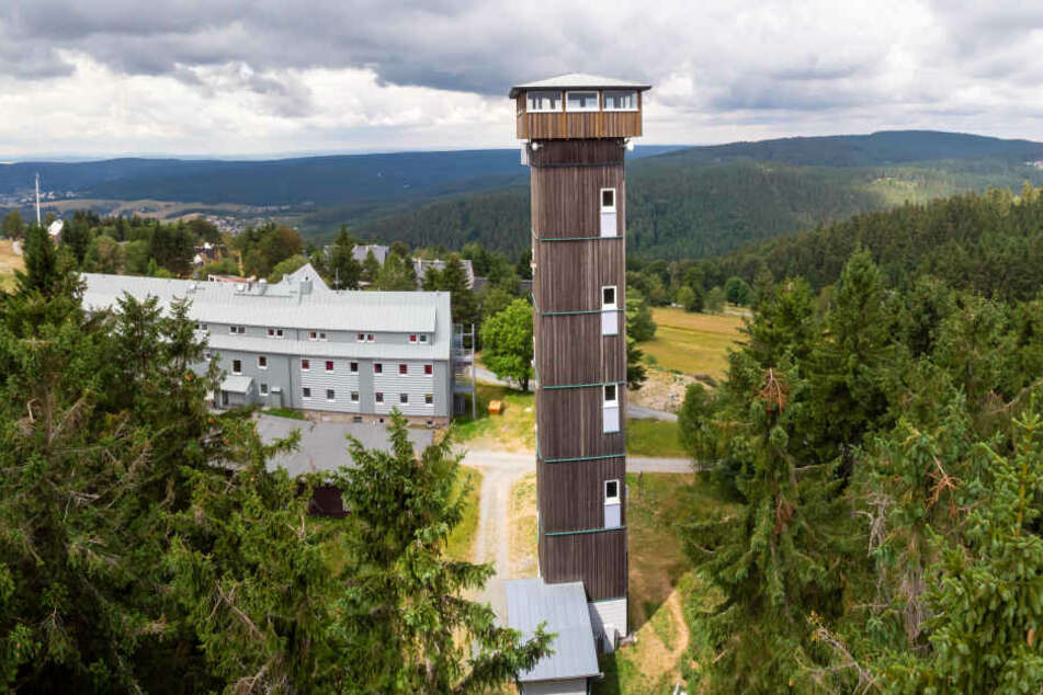 Nach Dachreparatur wieder geöffnet: Der Aschbergturm bietet eine einmalige Aussicht.