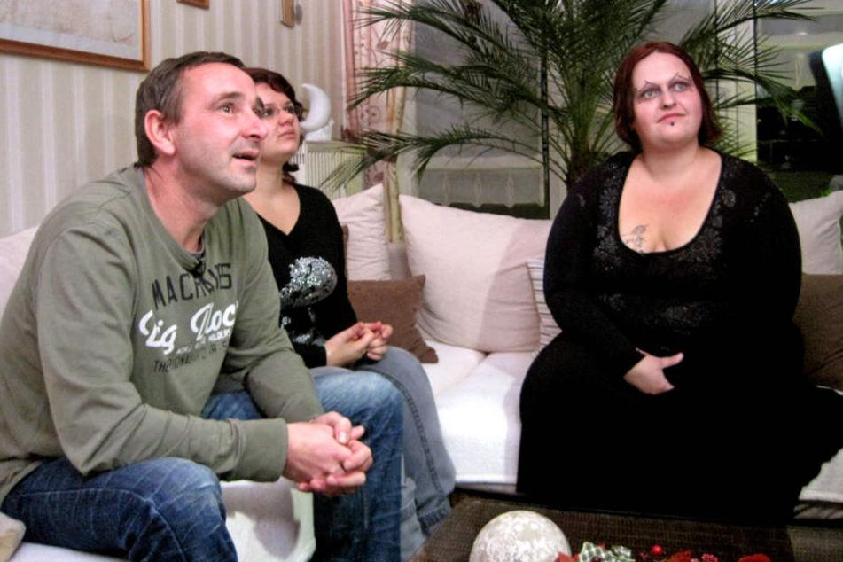 Andreas' Frau Sandra (r.) fiel mit einem außergewöhnlichen Make up auf.