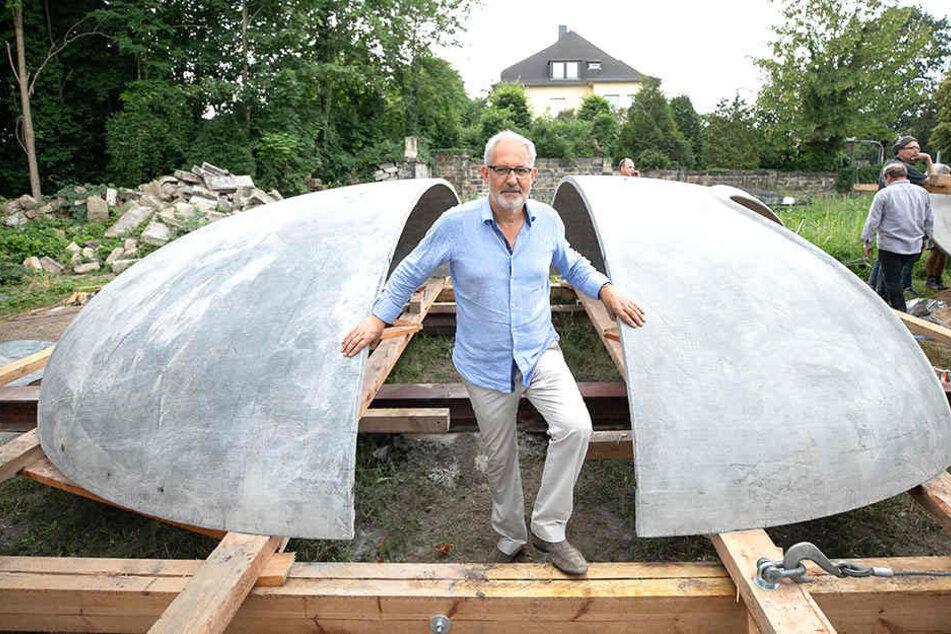 Der Dresdner Architekt Gerd Priebe (59) baut einen Pavillon und eine Villa aus umweltschonenden Carbonbeton.