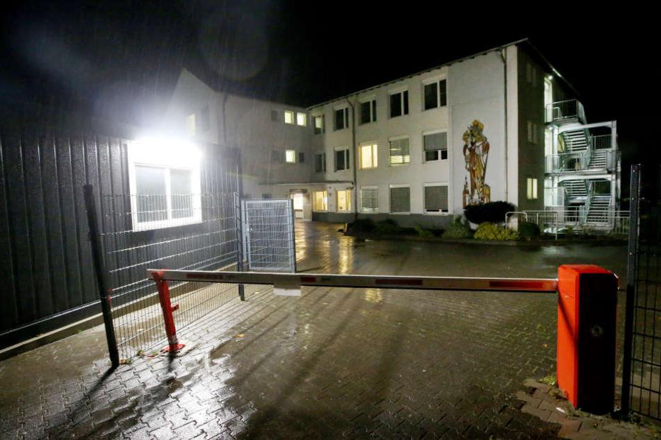 56 von 58 Taten ungeklärt: Rechte Angriffe auf Asyl-Unterkünfte in NRW
