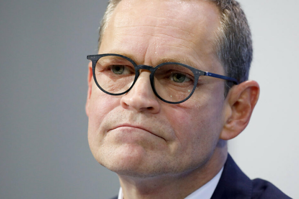 Michael Müller (56, SPD), Regierender Bürgermeister von Berlin, spricht im Bundeskanzleramt
