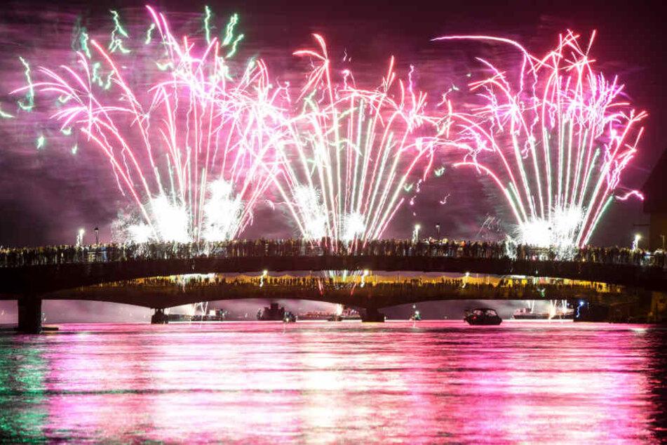 So kennt man das Seenachtfest: mit prächtigem Feuerwerk.
