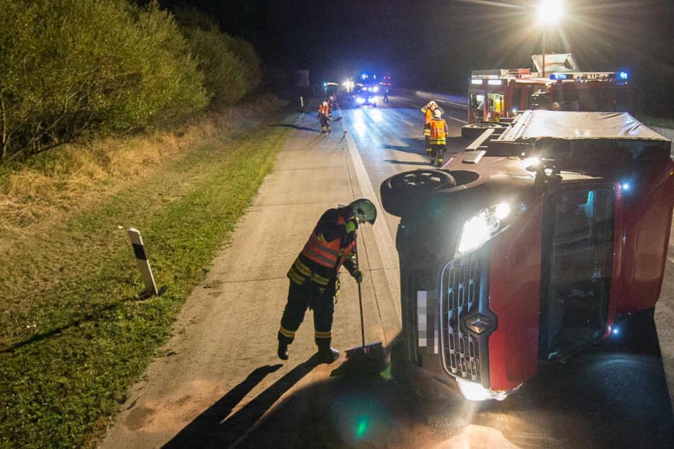 Fahrer fährt komplett übermüdet über Autobahn: Dann passiert das