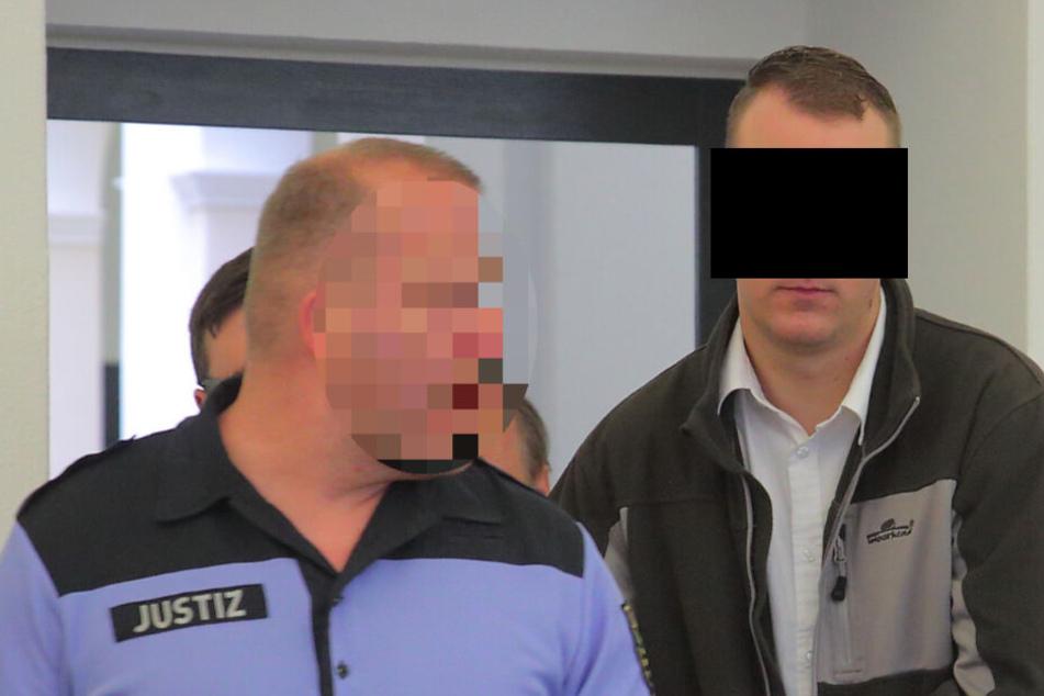 Freie Kameradschaft Dresden: Angeklagter droht im Haftkeller