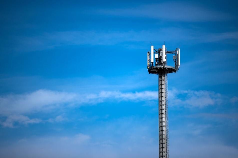 """Laut Mobilfunk-Pakt der Staatsregierung sollen die """"weißen Flecken"""" schneller erschlossen werden."""