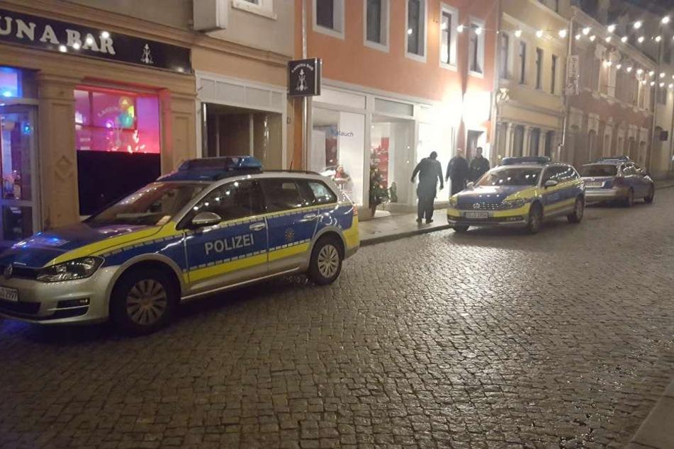 Die Polizei rückte mit mehreren Beamten an.