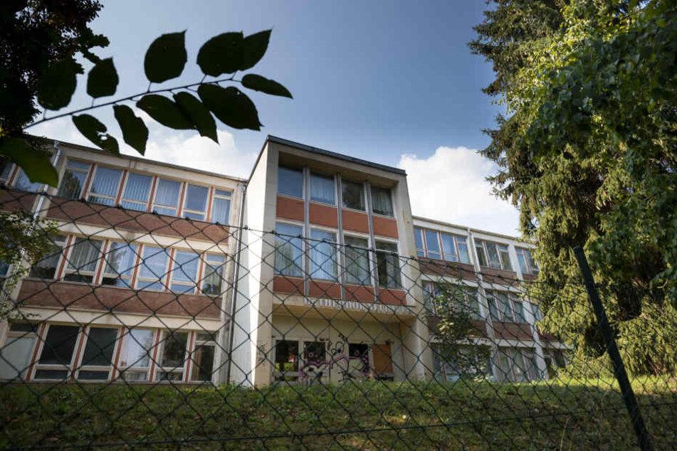 Die leerstehende Dr.-Theodor-Neubauer-Schule an der Vetterstraße soll als 3-zügige Oberschule mit Sporthalle wiederbelebt werden.