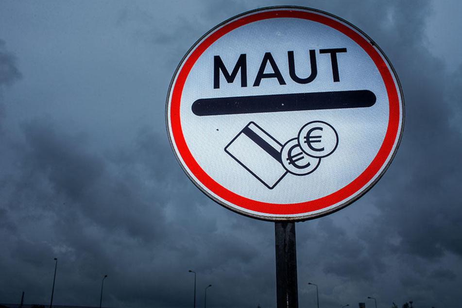Dunkle Wolken über der Hauptstadt: Kostet der Luxus einer schnellen Verbindung durch Berlin bald ordentlich Euros? (Symbolbild)