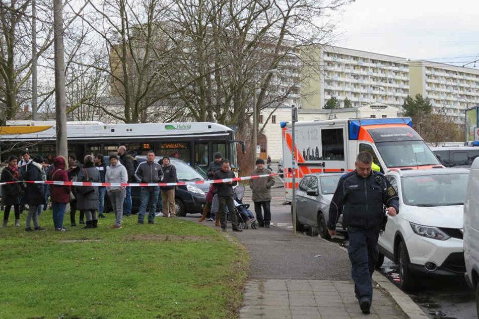 Die Polizei rückte am Mittwoch zu einem Großaufgebot in der Südvorstadt an.