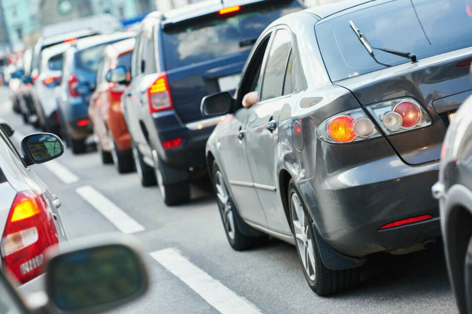 Kilometerlanger Stau nach schwerem Unfall auf A4 bei Chemnitz