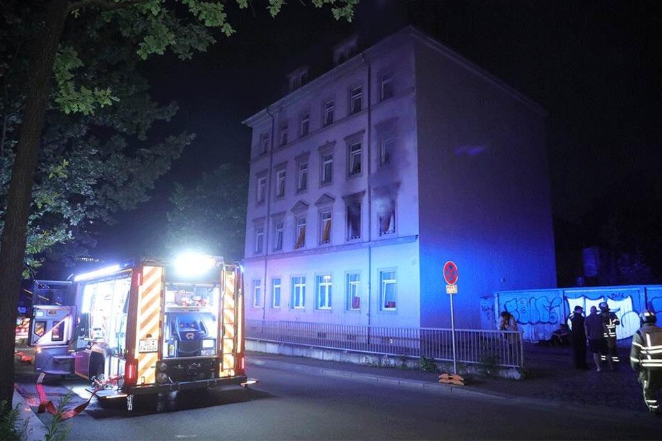 Bewohner stirbt bei Brand in Dresdner Obdachlosenheim