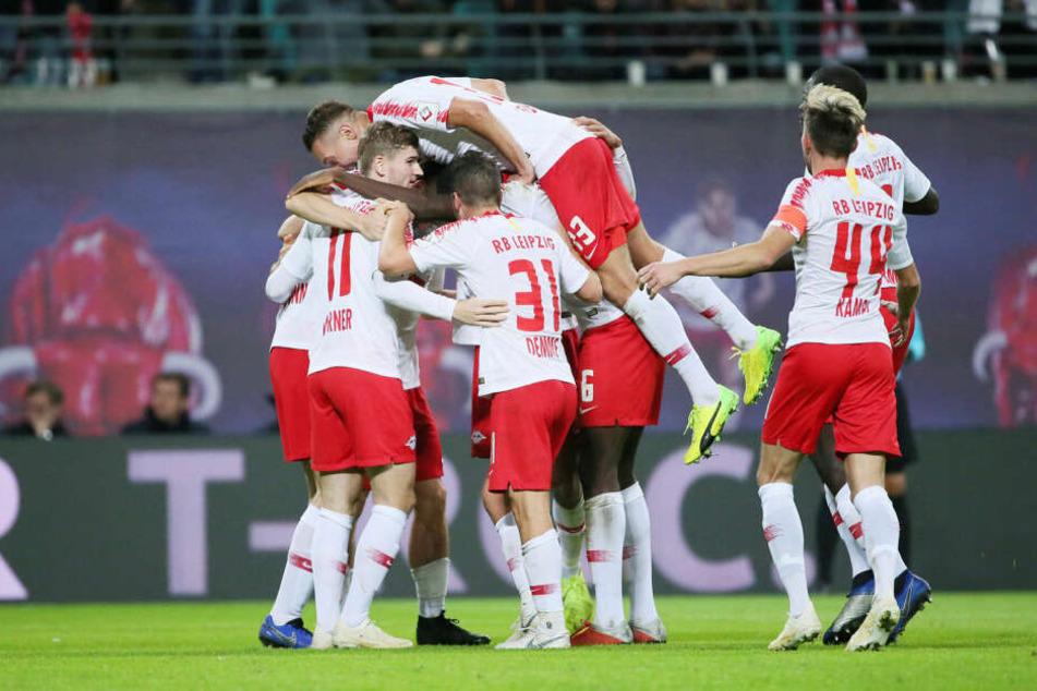 Der doppelte Yussuf Poulsen und Lukas Klostermann trafen in der Hinrunde beim klaren 3:0 für RB Leipzig gegen Bayer Leverkusen.