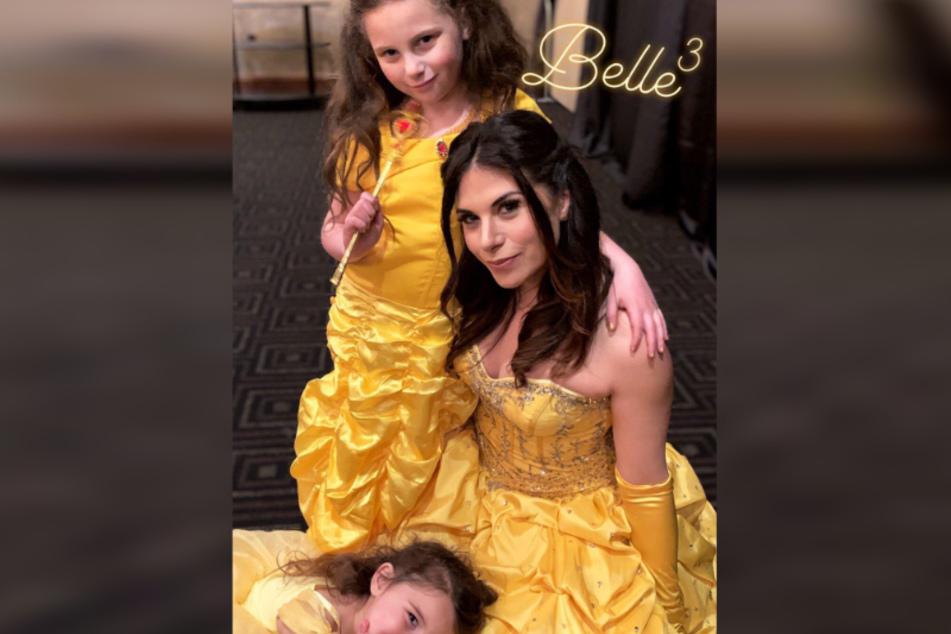 Für ihre Töchter verkleidete sich Mutter Jessica als Disney-Prinzessin.