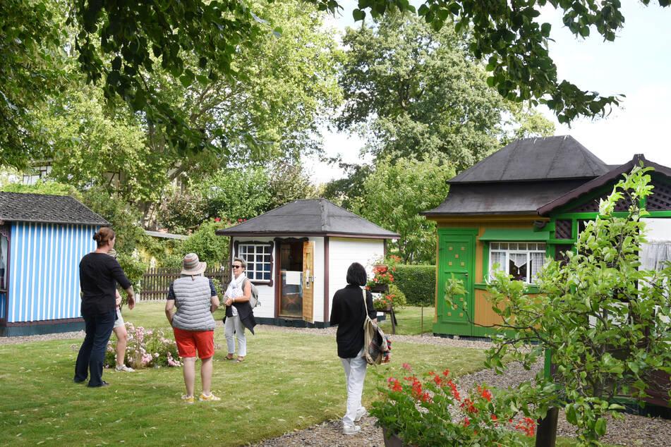 Rund 5000 Besucher sehen sich jährlich das zur Schreberanlage gehörende Museum und die Schaugärten in der idyllisch gelegenen denkmalgeschützten Anlage im Zentrum von Leipzig an.