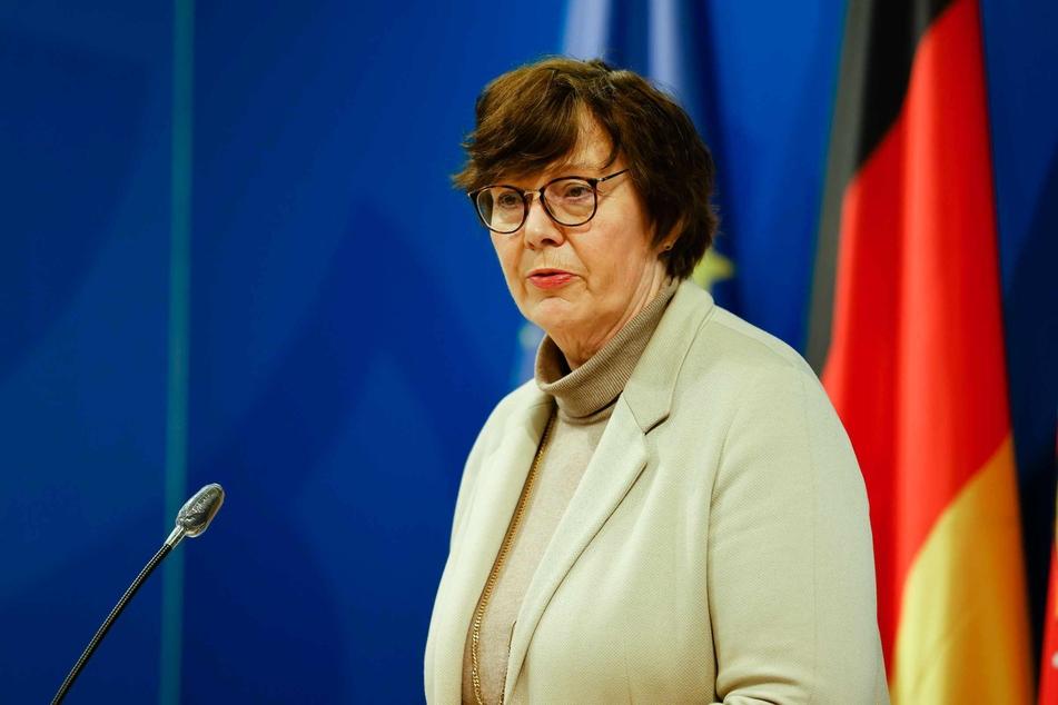 Sabine Sütterlin-Waack (63, CDU), Ministerin für Inneres, ländliche Räume und Integration von Schleswig-Holstein, ist voll des Lobes für die Abschiebehaftanstalt. (Archivbild)