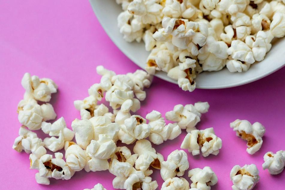 Netflix Neuerscheinunungen im Juli und Popcorn? Klingt nach einem super Abendprogramm!