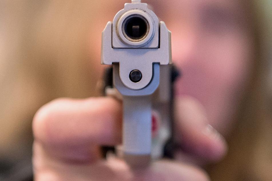Während in OWL die Nachfrage nach Kleinwaffen fällt, steigt sie im Münsterland an.