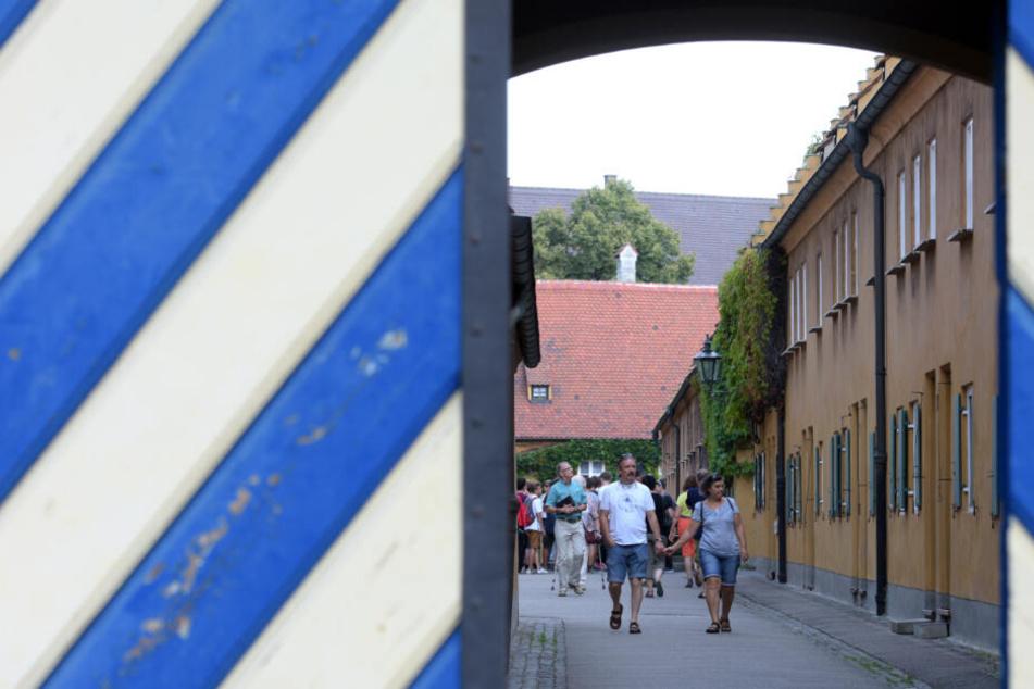 Besucher schlendern bald in Augsburg durch noch mehr Ausstellungen in der Fuggerei.