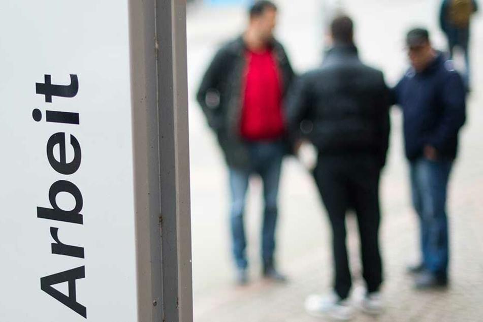 Viele Menschen, die faktisch ohne feste Arbeit sind werden von der Arbeitslosenstatistik nicht erfasst.