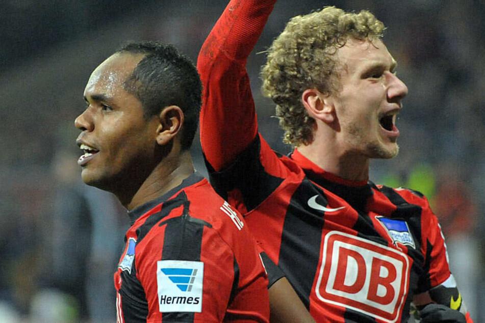 Ronny und Lustenberger bejubeln das 2:0 gegen Braunschweig.