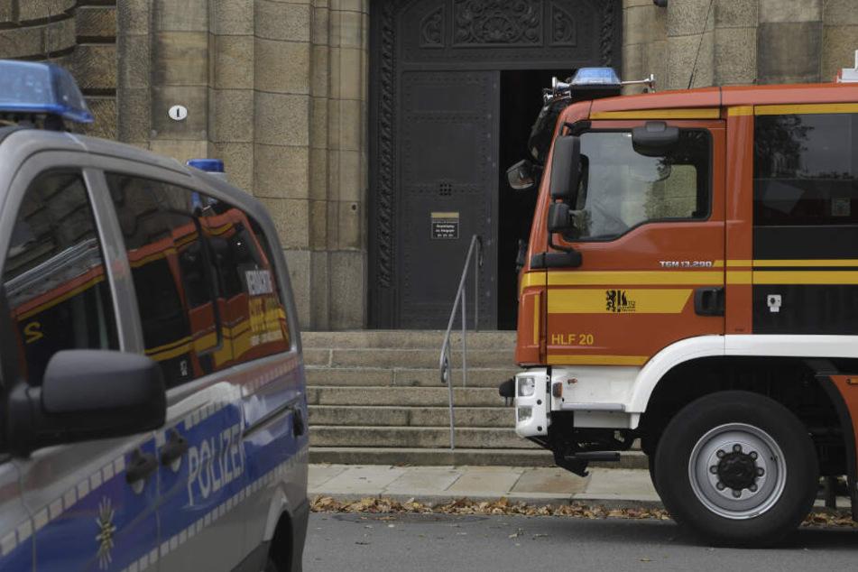 An der Staatskanzlei waren Polizei und Feuerwehr im Einsatz.