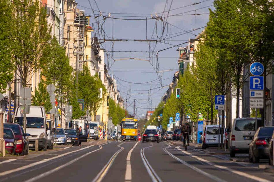 Dienstagnachmittag erwischte ein Anwohner einen Langfinger in seiner Wohnung auf der Eisenbahnstraße (Symbolbild).