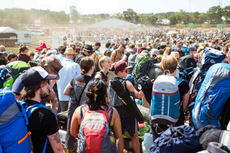 Zehntausende Besucher zieht das Deichbrand Festival jährlich an. (Archivbild)