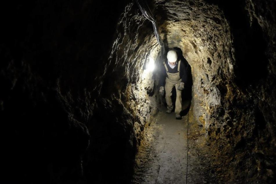 Einbrecher steigen in Bergwerk ein