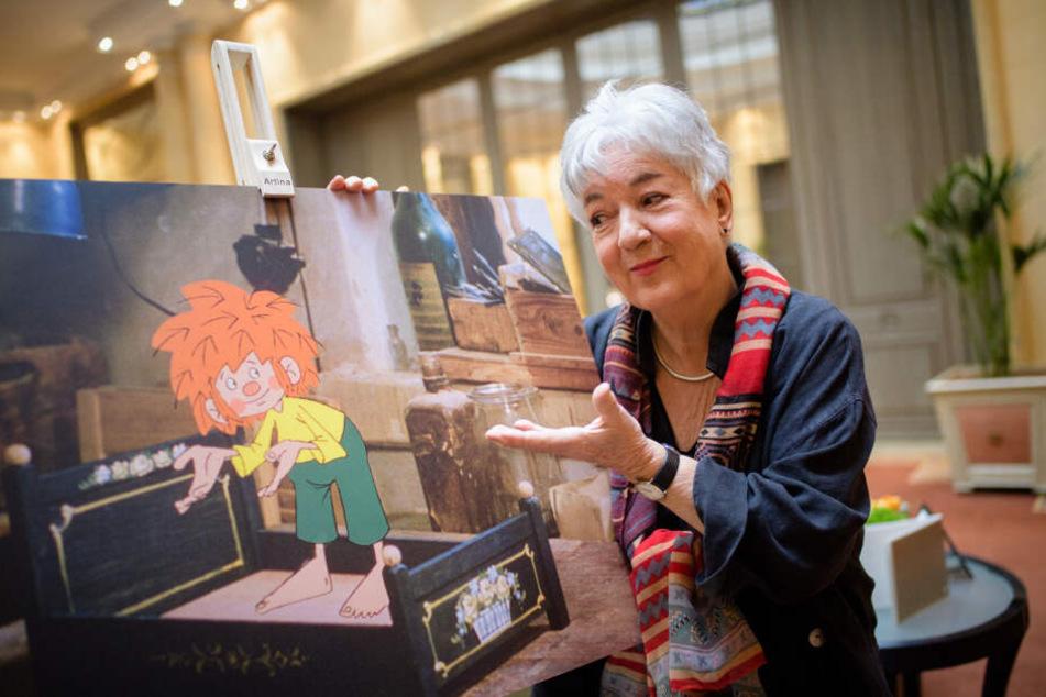"""Barbara von Johnson, Illustratorin und Gestalterin des visuellen Erscheinungsbildes der Figur Pumuckl, steht auf einer Presseveranstaltung von Amazon Prime Video zur Ausstrahlung der restaurierten Kinderserie """"Meister Eder und sein Pumuckl"""""""