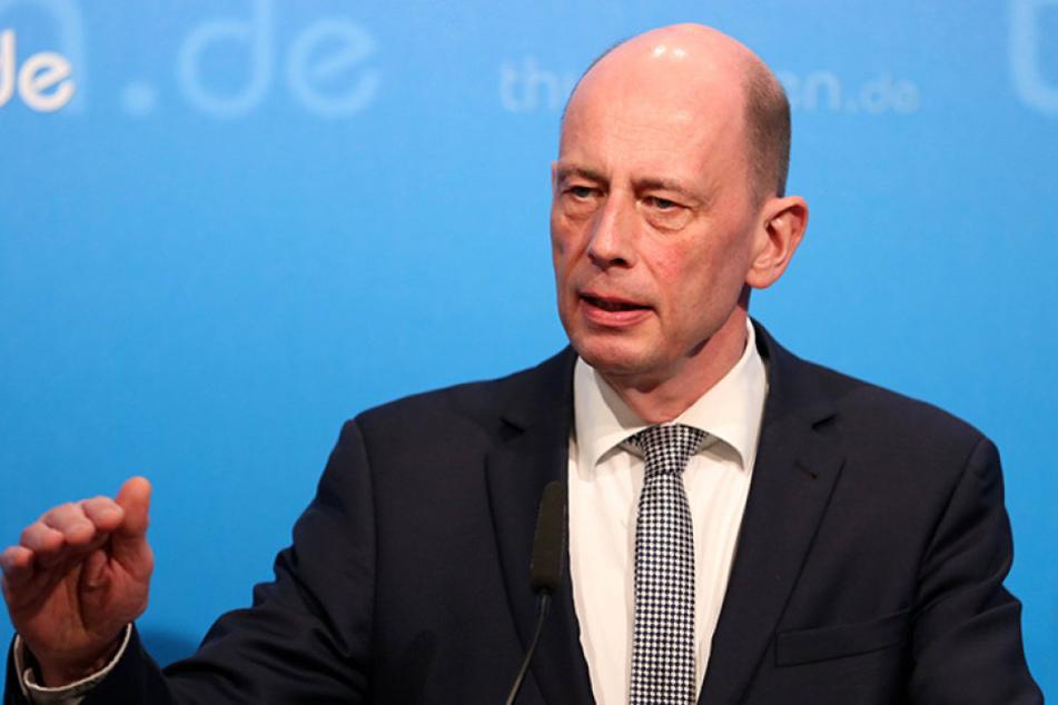 Wolfgang Tiefensee (61, SPD) ist sich sicher: Wir sind EIN Volk.