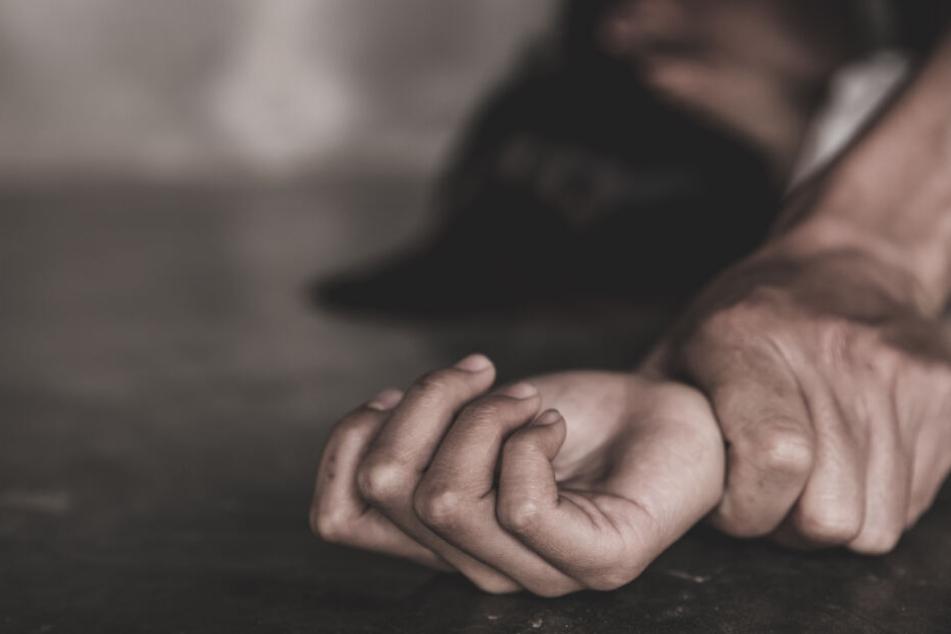 Inzest-Drama: Mädchen verliert ihre Mutter, dann wird ihr Vater zum Monster