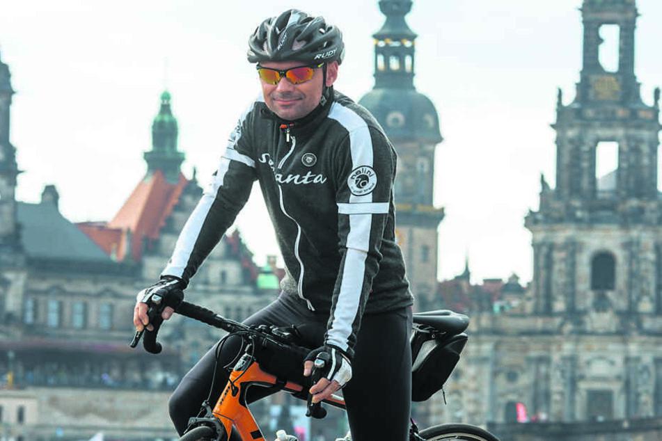 Jens-Peter Huth (45) schwingt sich zum Anradeln in den Sattel.