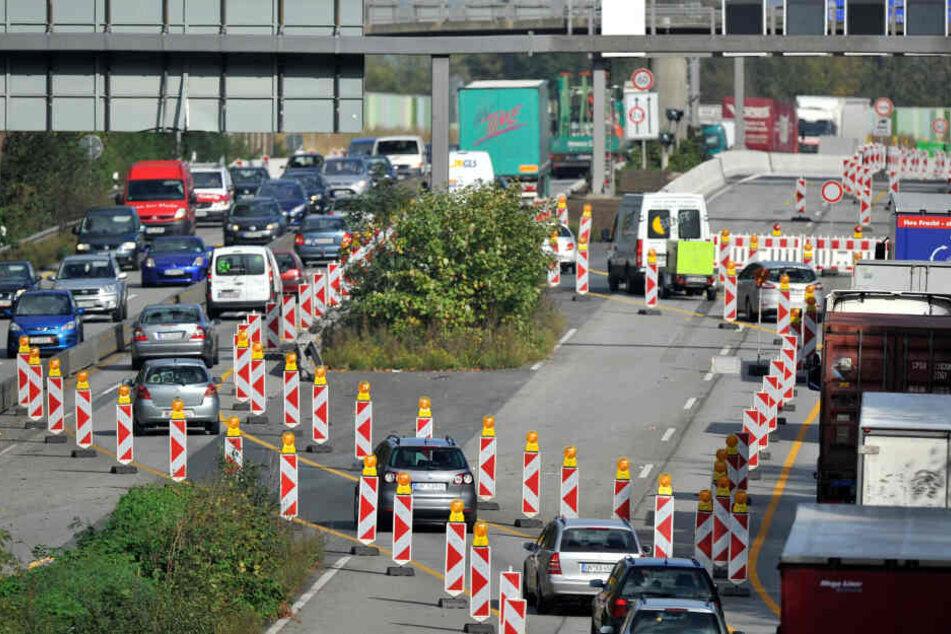 Wo gebaut wird, sorgen die Baustellen auf den NRW-Autobahnen häufig für Stau.